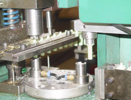 Spindle Wiper Assembly Machine